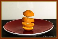 Floating Orange (Adam Halstead) Tags: life orange macro canon lens eos is still with 100mm illusion f28l finny 550d floatingorange