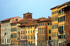 Lungarno Pacinotti (n_sapiens) Tags: windows italy river italia fiume pisa tuscany arno toscana finestre lungarno