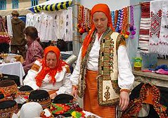 "на базарі в Косові • <a style=""font-size:0.8em;"" href=""http://www.flickr.com/photos/78450458@N02/12519105853/"" target=""_blank"">View on Flickr</a>"