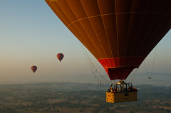 Balloons over Bagan 15-2 (Mariasme) Tags: balloons myanmar bagan threeofakind matchpointwinner 15challengeswinner gamex2winner storybookwinner storybookttwwinner mpt363