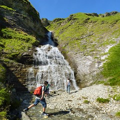 BieJee and Samantha discovering the Weitental waterfall (Bn) Tags: summer mountain holiday snow mountains fall car station clouds walking austria oostenrijk waterfall sterreich lift cows wind hiking meadow cable hike falls glacier trail pasture valley popcorn cumulus vista strong gondola gorge puffy viewpoint marmots zillertal hintertux gust schleier gletsjer summetime tuxertal foothpath klamm weitental sommerbergalm sommerberg 2100m tuxerjochhaus gletscherbusse