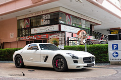 Pink (FreeLunchPhotos) Tags: pink mercedes benz singapore orchard parade brakes gt sls amg mercedez calipers