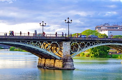 Sville 689 Puente de Isabel II (paspog) Tags: bridge puente sevilla spain rivire andalucia pont andalusia brcke fluss espagne sville spanien andalousie fleuve riveer puentedeisabelii guadalquibir