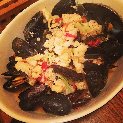 Spicy mussels with cauliflower for dinner.