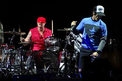 red hot chili peppers @ arena anhembi (Bruno Farias) Tags: show brasil concert saopaulo sp rockshow rhcp redhotchilipeppers bancodobrasil imwithyou everrocks circuitobancodobrasil arenaanhembi obrunofarias imwithyoutour brunofariassilva lastfm:event=3610521 rhcpsp