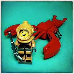 The Lobster Hunter (Evan MacPhail Photography) Tags: evan toy photography brinquedo fotografie photographie lego fig 8 mini figure lobster ser