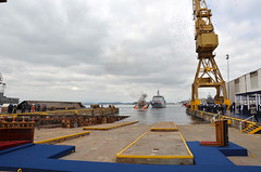 "Ceremonia bautizo OPV 83 ""Marinero Fuentealba"" (Armada de Chile) Tags: martimo asmar patrullero armadachile marinerofuentealba"