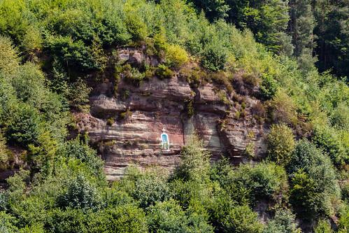La vierge dans la montagne