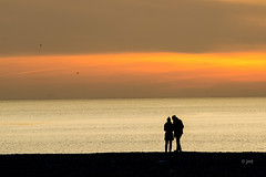 JML-2016-IMG_0435 (photo.jml) Tags: ciel sunset silhouette plage couleurs colors coucherdesoleil sky seaside ambiance lumiere light soir evening seashore