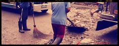Cleaning (Frisno) Tags: street trash garbage junk asia asien cleaners dirty cleaning dirt manila gata filipino filth filthy trashy philipines pilipinas luzon phillipines shovelling sweeping pinas smuts divisoria skrp phillippines filippinerna lort sopor stdar smutsigt filipinsk filipinerna skyfflar filippinsk lortigt