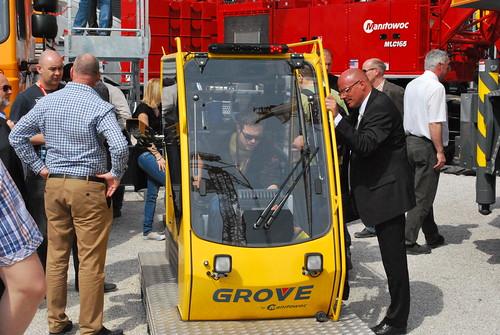 Grove crane cab