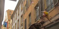 Cat and Bubbles (Egon Abresparr) Tags: window cone bubbles strasbourg icecream signpost