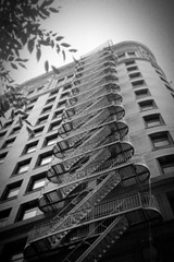 Stairway in black & white (SkySNAPS Photography) Tags: 2005 nyc film analog 35mm minolta kodak kip 400 roll trucking