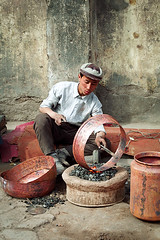 Metal Worker (Leonid Plotkin) Tags: china asia smith uighur xinjiang kashgar centralasia metalworker