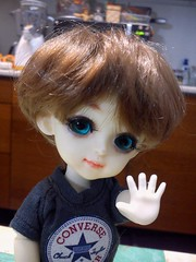 Hey (caramella04) Tags: hello blue smile yellow eyes doll converse blonde bjd lati latiyellow byurl