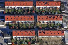 Terrace Houses In Landshut (Aerial Photography) Tags: house by la haus aerial rows deu luftbild reihenhaus landshut luftaufnahme wohnhaus bayernbavaria deutschlandgermany reihen ndb reihenhäuser wohnungsbau wohnsiedlung eigenheim fotoklausleidorfwwwleidorfde 16012011 5d234070 groppenweg rotfederweg schmerlenweg zingelweg