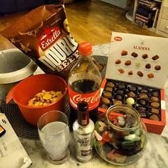 Bantningen gick åt helvete.....kan det bli värre än så här? #godis #chips #estrella #Aladdin #lösgodis (Jan Ekström) Tags: square candy coke chips squareformat cocacola aladdin esterella instagramapp uploaded:by=instagram
