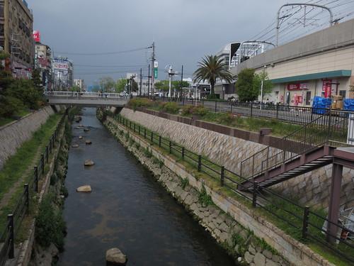 駅前の寝屋川