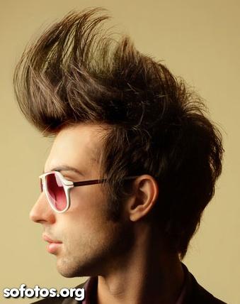 penteado com topete gigante