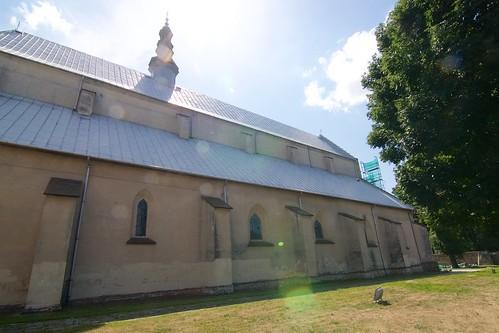Kościół Wniebowzięcia NMP i św. Stanisława BM w Bodzentynie od północy podczas remontu (2012)