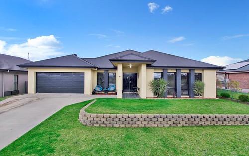 10 Emu Close, Tamworth NSW 2340