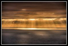 CFR4174 Nordkapp (Carlos F1) Tags: sunset sea cloud sun sol water norway atardecer mar twilight cabo agua nikon cloudy dusk north countries midnight noruega rays scandinavia ocaso nube scandinavian norte finnmark rayos kommune d300 nordkapp paises medianoche nuboso escandinavia fylke 71ºn 71º1021n