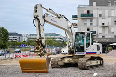Liebherr R 924 C (Alexandre Prévot) Tags: france construction nancy construcción lorraine worksite buildingsite travaux chantier cugn grandnancy baustellebauplatz