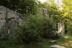Ruinen des Bergwerk von 1890 der Socit des Mines dor dHelvtie ( Spter als ... d`or de Gondo Konkurs 1896 ) als Erinnerung an die Hochblte des Goldrausch im Zwischbergental ob Gondo im Kanton Wallis - Valais der Schweiz (chrchr_75) Tags: schweiz switzerland suisse swiss august christoph svizzera wallis valais suissa ehemalige gondo kanton chrigu 1308 2013 chrchr kantonwallis hurni chrchr75 chriguhurni kantonvalais zwischbergental august2013 goldminen chriguhurnibluemailch albumzzzz130831ausflugzwischbergental hurni130831