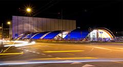 Welle Bern (szfotografie) Tags: nacht perron strasse sbb treppe hauptbahnhof bern bahn dach welle lichter nachtaufnahme langzeitbelichtung passerelle zugang bahngleis wellebern