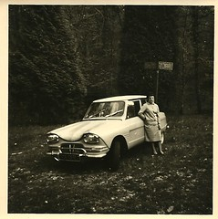ami 6 (desfemmesetdesvoitures@yahoo.fr) Tags: auto old woman white black cars car vintage photo und mujer women noir photos femme 1940 voiture nb des collection coche 1970 autos frau dame 1980 et fille blanc macchina 1950 coches filles 1920 femmes dona voitures 1930 ancienne 1960 oldy dames anciennes wagen machina oldys regazza wagens bw conductrice conductrices desfemmesetdesvoitures
