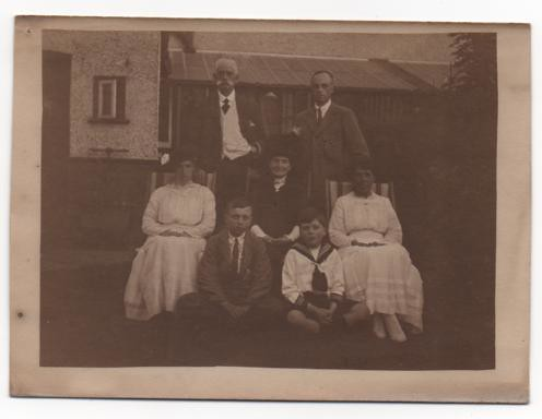 3 GENERATIONS OF BUTTS C 1910