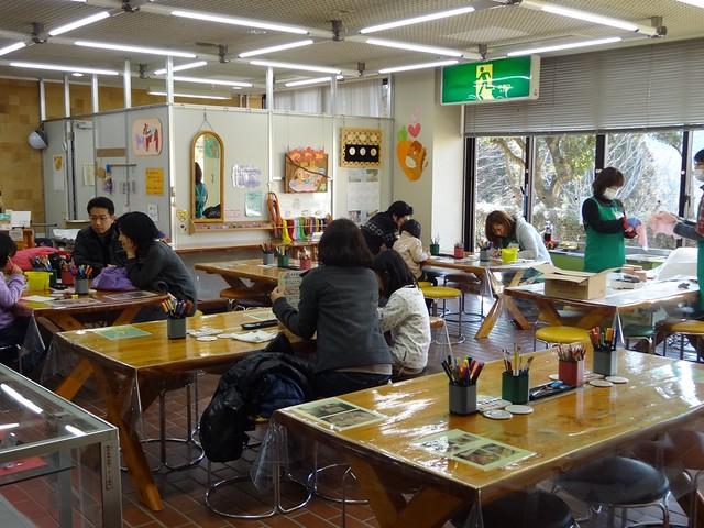 EBアート教室はオープンスペースにあります。|おかざき世界子ども美術博物館