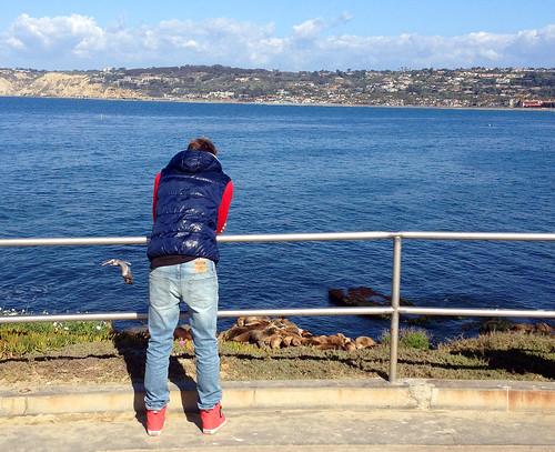 ocean california boy guy skinny la san diego jeans vest jolla hollister supra vision:beach=0507 vision:outdoor=099 vision:car=0533 vision:clouds=0713 vision:sky=085