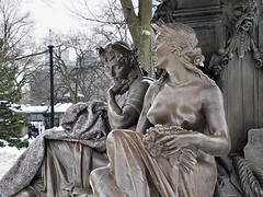 Share Your Blanket? (AntyDiluvian) Tags: sculpture woman snow fountain statue boston nude downtown massachusetts blanket figure share bostoncommon beaconhill drapery tremontstreet brewerfountain