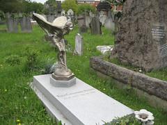 Kensal Green Cemetery (duncan) Tags: cemetery grave graves kensalgreen kensalgreencemetery