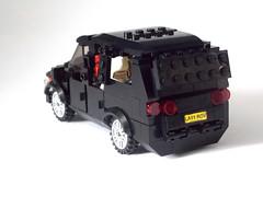 LEGO Minifigure scale Car - 7-wide SUV - seats 7 minifigs 4 (TheOneVeyronian) Tags: city car lego suv landrover minifigure moc legocity 7wide minifigurescale seats7minifigures