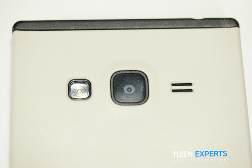 "Samsung-Z3-Developer-Device-TM1-Tizen-Experts-2 • <a style=""font-size:0.8em;"" href=""http://www.flickr.com/photos/108840277@N03/20111306128/"" target=""_blank"">View on Flickr</a>"