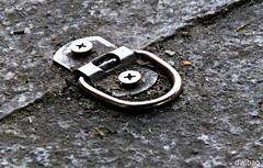 Anclaje (Franco D´Albao) Tags: dalbao fuji francodalbao anclaje metal suelo pavimento pavement calle street