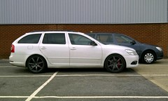 vRS vs. S (lotus-gt) Tags: white wagon estate ride low wheels hr rims rs combi lowered skoda octavia slammed brembo stance vrs neuspeed felgen coilover monotube stanced rse07