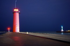 Kenosha Lights (rexp2) Tags: lighthouse night lakemichigan greatlakes lighthousetrek sonynex5n leicahektor28mmf63 vacation2013spring