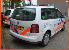Different Dutch Police stripings. (NikonDirk) Tags: holland netherlands dutch vw volkswagen utrecht cops traffic nederland police cop emergency politie touran verkeer midden hulpverlening nikondirk