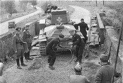 7º Panzerdivision, PzKpfw 38 light tank being used to test a makeshift bridge – avec Erwin Rommel.
