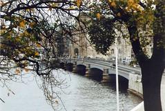 Skeppsholmsbron (sftrajan) Tags: bridge puente island harbor 2000 ship sweden stockholm schweden swedish ponte pont sverige brcke skeppsholmen youthhostel estocolmo stoccolma suecia sailingship sude tukholma ruotsi