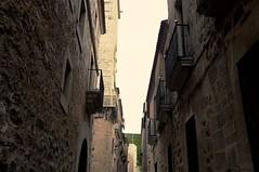 Calle de Cceres (vcastelo) Tags: espaa calle spain vieja ciudad antigua cceres monumental extremadura estrecha