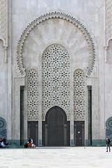 Mosquée Hassan II Casablanca (bcmng) Tags: color arches mosque morocco ornament fez marocco marrakech casablanca rabat islamicarchitecture arabesque meknes mosaik islamarchitecture maroccoarchitecture