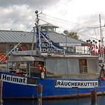 Sassnitz - Alter Fähr- und Fischereihafen (33) - Fischbrötchenverkauf thumbnail