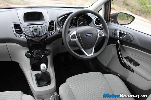 2014-Ford-Fiesta-12