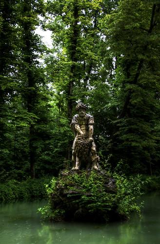 Schloss grounds statue