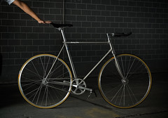 F5 Pista : Silver Element (Factory Five) Tags: china columbus bike bicycle silver track factory shanghai 5 five gear retro boutique fixed fixie custom tubing pista element bespoke bullhorn lugged classi