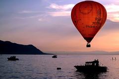 Sur le Lman (Valentin le luron) Tags: festival montagne switzerland riviera ballon jazz lac lausanne yves lman quai montreux vaud montgolfier romandie paudex